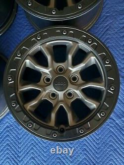 Jeep Wrangler 392 OEM 17 Beadlock Wheels 2021 Super Clean Set RARE