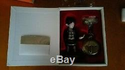 Super rare look. UMBRELLA ACADEMY Deluxe Pocket Watch & Statue Set 500 LTD ED
