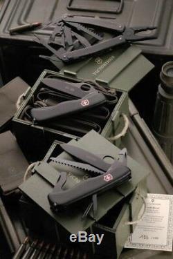 Victorinox military set super rare limited edition V-LTD02 N. 125/199